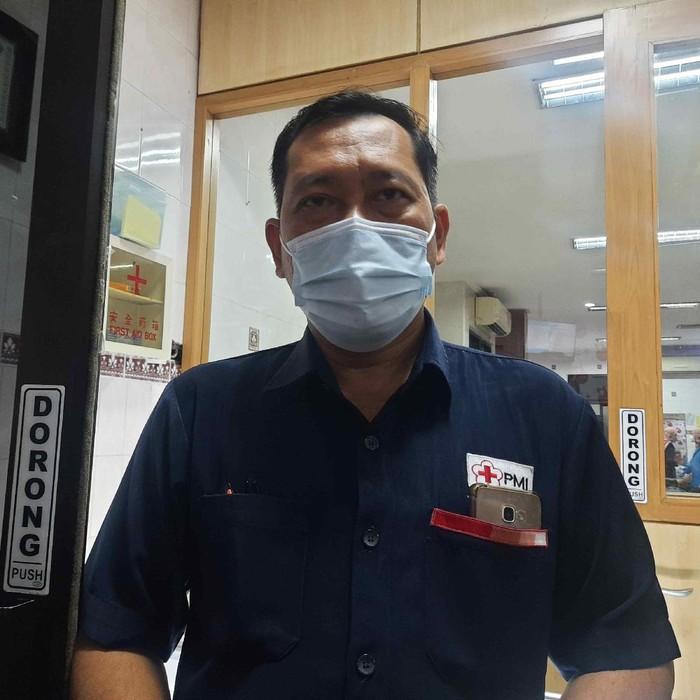 Kabag Pelayanan dan Humas PMI Surabaya, dr Martono Adi Trijogo