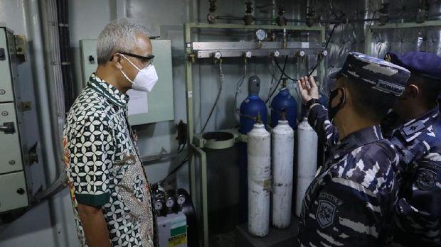 KRI dr Soeharso bersandar di Pelabuhan Tanjung Emas, Semarang, Rabu (28/7/2021)