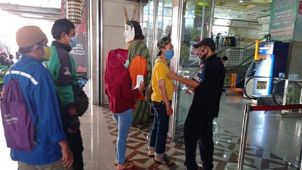 Masuk Pasar Tanah Abang wajib tunjukkan kartu vaksin