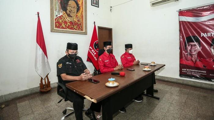 PDIP Surabaya menggelar doa bersama lintas agama secara virtual. Doa ini mengenang kerusuhan 27 Juli 1996 atau disingkat Kudatuli.