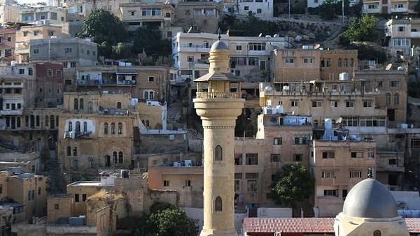 As-Salt adalah kota bersejarah di Balqa, 35 km barat laut Amman, Yordania.