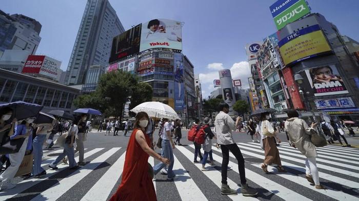 Gelaran Olimpiade Tokyo 2020 terus bergulir meski berada di tengah pandemi, penasaran dengan aturan pencegahan COVID yang dilakukan Jepang? Begini gambarannya.