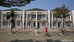 Pemkab Bekasi menyediakan lokasi isolasi untuk fasilitasi warga yang terpapar virus Corona. Rumah isolasi terpusat ini tampung 660 bed untuk pasien dan nakes.