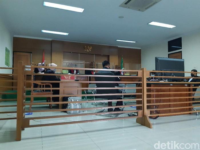 PPK Dinkes Banten didakwa memanipulasi data satuan pengadaan masker Nakes