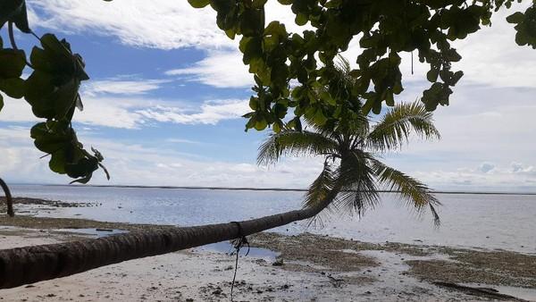Pantai Mowirin jadi destinasi favorit yang dikunjungi wisatawan. Sebelum pandemi, setiap akhir pekan pantai ini banyak dikunjungi wisatawan. (Hari Suroto/Istimewa)
