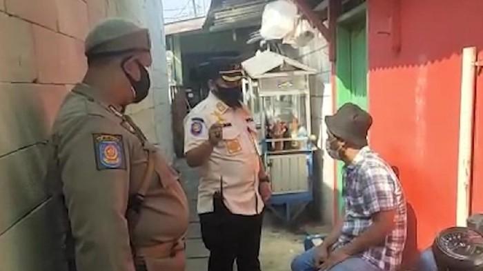Satpol PP Jakbar Temukan Pedagang Bakso