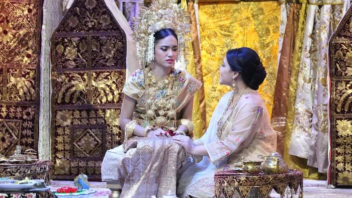 Serial musikal Nurbaya yang terinspirasi dari novel Sitti Nurbaya: Kasih Tak Sampai karya Marah Rusli menarik perhatian pecinta teater. Yuk kita lihat.