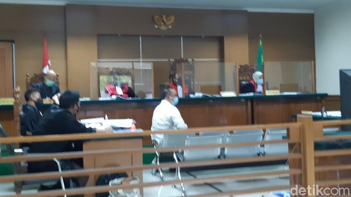 Sidang Kasus Masker di Dinkes Banten