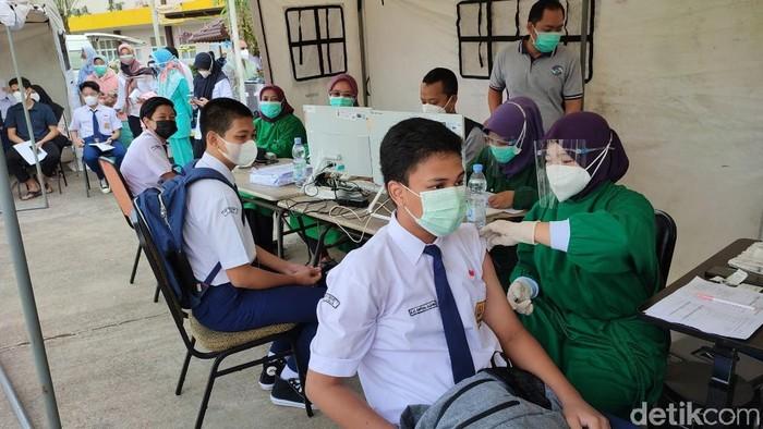 Vaksinasi COVID-19 untuk anak di Ciamis.