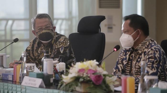 Wali Kota Tangerang Selatan Benyamin Davnie