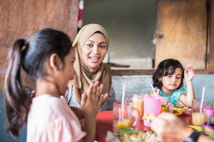 Anjuran Nabi Muhammad SAW untuk Tidak Makan Terburu-buru