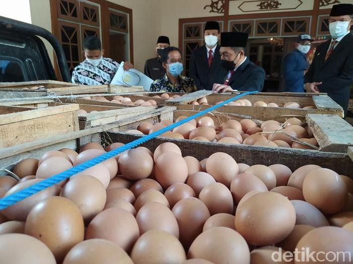Bantuan telur untuk nakes di Magelang, Kamis (29/7/2021).