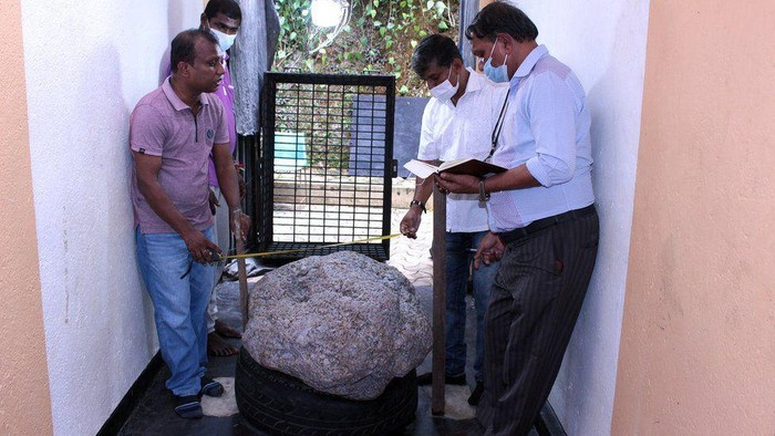 Batu Safir Rp 1,4 Triliun