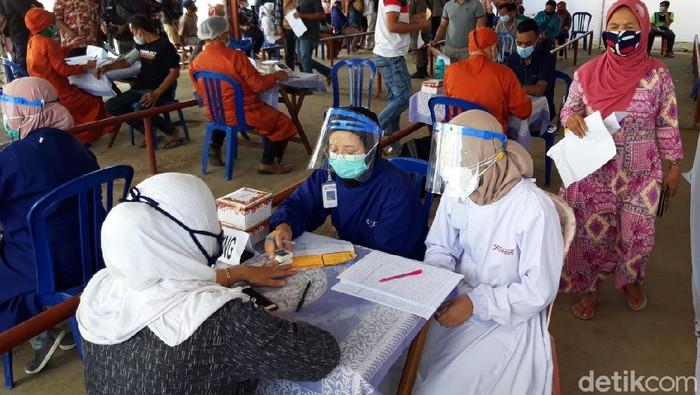 Sebanyak 4.100 pedagang pasar tradisional di Boyolali menjadi sasaran vaksinasi Corona atau COVID-19, secara serentak hari ini.