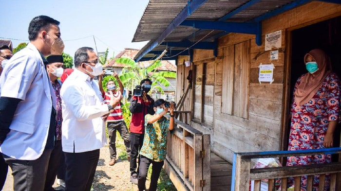 Bupati Musi Banyuasin mengecek warga yang isoman (Dok istimewa)