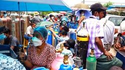 Myanmar tengah mengalami lonjakan kasus COVID-19. Hal ini memicu kelangkaan pasokan oksigen yang sangat dibutuhkan pasien.