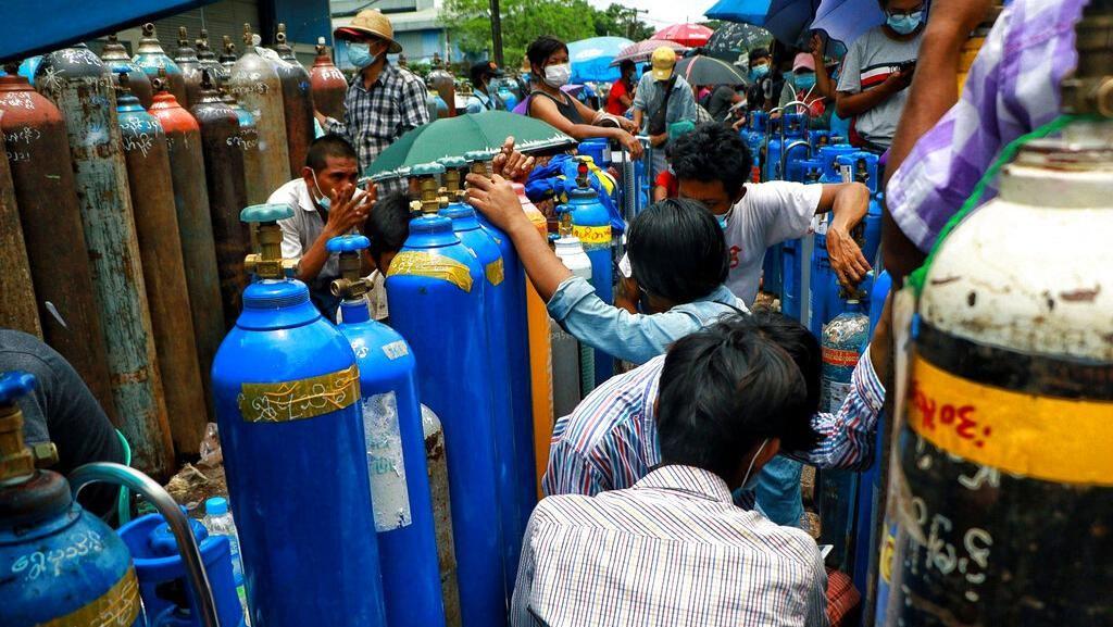 Corona Melonjak, Warga Myanmar Sibuk Berburu Oksigen