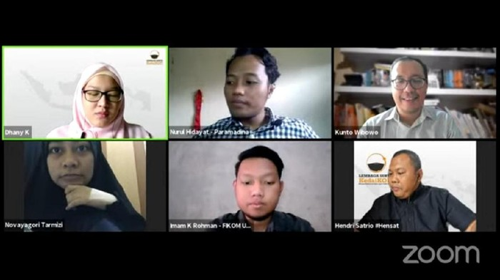 Dialog Mahasiswa mengenai kriteria pemimpin masa depan