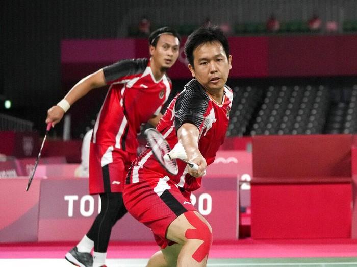 Ganda putra Indonesia Mohammad Ahsan/Hendra Setiawan maju ke semifinal Olimpiade Tokyo 2020 usai menang atas pasangan Jepang Takeshi Kamura/Keigo Sonoda.