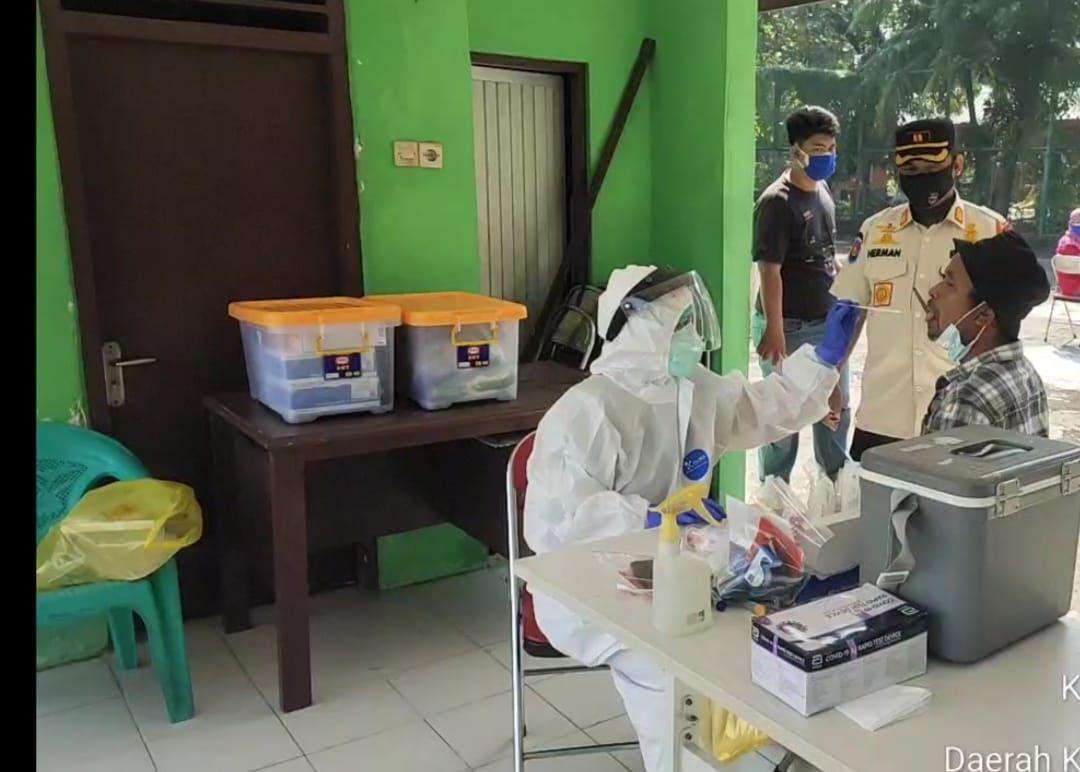 Momen Tukang Bakso di Tes PCR Usai Layani Pasien Corona