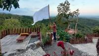 Bendera Putih Sudah Berkibar, Lahan Wisata Gunung Kuniran pun Dijual