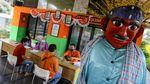 Semringah, Warga Jakarta Terima Bansos Tunai