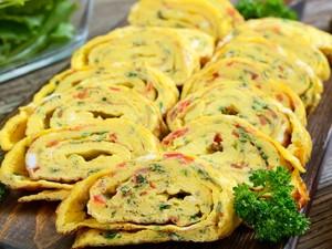 Masak Masak: Resep Omelet Gulung Korea yang Gurih Mulur