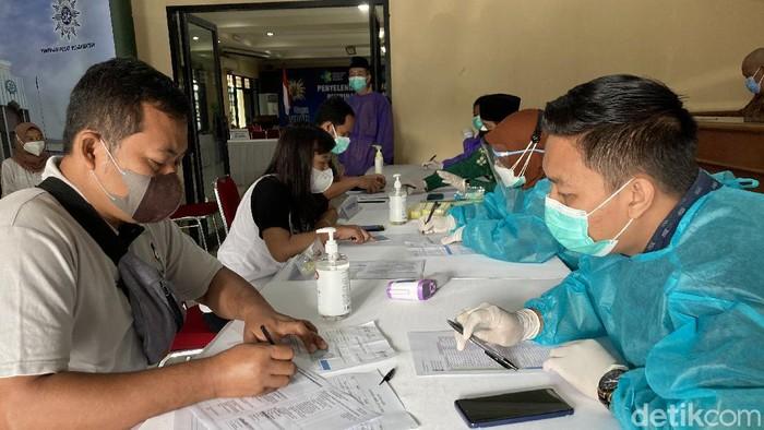 Vaksinasi di PP Muhammadiyah (Annisa Rizky/detikcom).