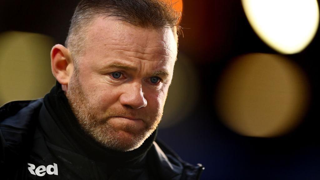Skandal dengan Model Seksi, Wayne Rooney Minta Maaf