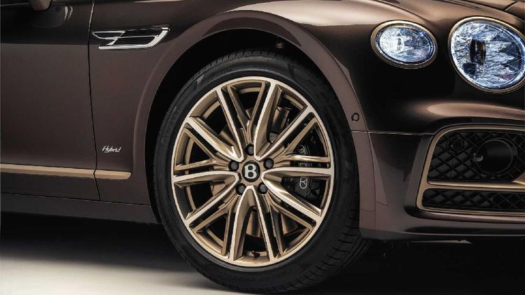 Lihat dari Dekat Mobil Super Mewah Para Sultan dan Miliarder Versi Hybrid