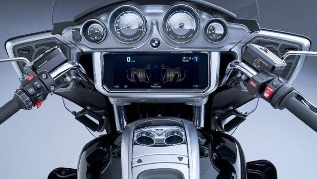 BMW R 18 Transcontinental dan BMW R 18 B