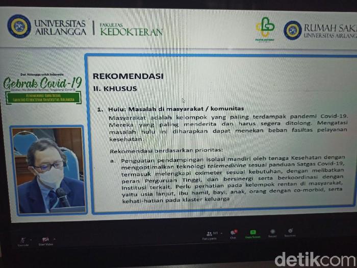 Guru besar (Gubes) di Fakultas Kedokteran Universitas Airlangga (FK Unair) Surabaya memberi rekomendasi untuk menangani pandemi COVID-19. Rekomendasi ini disampaikan dalam aksi bertajuk Gebrak COVID-19 atau Gerakan Aksi Bersama Serentak Tanggulangi COVID-19.