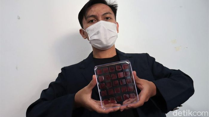 Lima mahasiswa Universitas Padjadjaran ciptakan inovasi inovasi untuk bantu turunkan kecanduan rokok di Indonesia. Inovasi itu berupa permen atau Iozenges.
