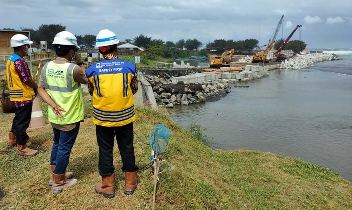 Megaproyek pengamanan Sungai Bogowonto terus dikebut. Proyek ini akan difungsikan sebagai penangkal banjir Bandara Kulon Progo.