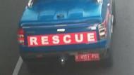 Detik-detik Mobil Rescue Dinsos di Makassar Tabrak Lari Pesepeda
