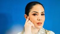 Nindy Ayunda ke Bali untuk Lari dari Masalah?
