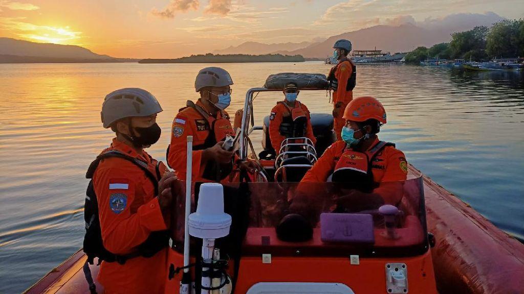Tim SAR Lanjut Cari Penumpang Kapal Feri yang Terjun di Selat Bali