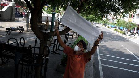 PKL Malioboro Berkabung, Bendera Putih Membubung