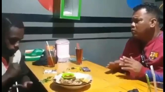Prajurit TNI AU, Peltu Deny ajak makan Steven, pemuda yang diinjak kepalanya oleh oknum TNI AU