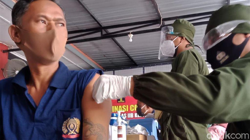 Ratusan Warga Binaan di Lapas Klaten Disuntik Vaksin COVID-19