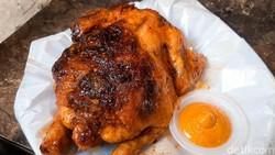 Rowstid Chikin: Gurih Juicy Ayam Panggang ala Amerika yang Dijual Pakai Bajaj