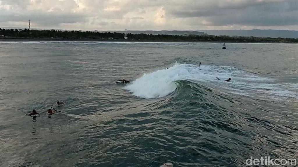 Horor WN Australia Pingsan Saat Surfing di Pantai Berawa Bali