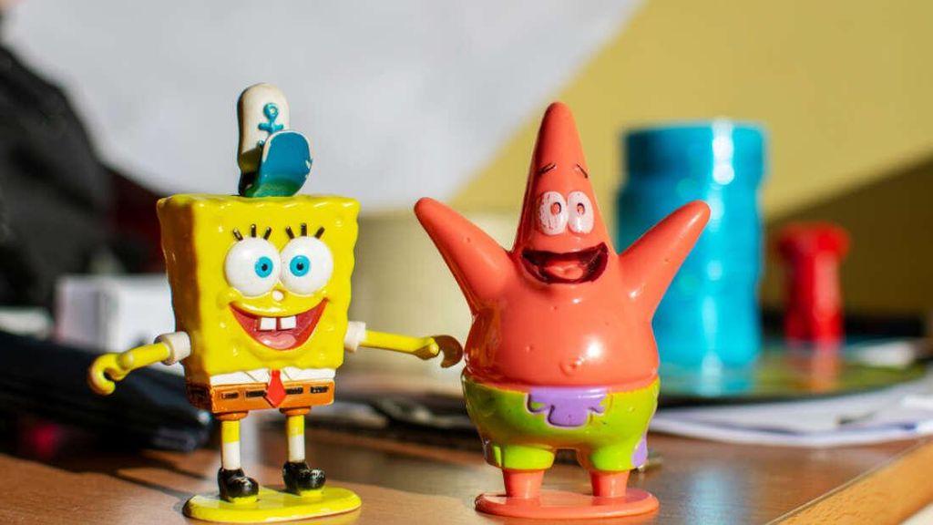 Spongebob dan Patrick di Dunia Nyata Ditemukan Nongkrong di Laut