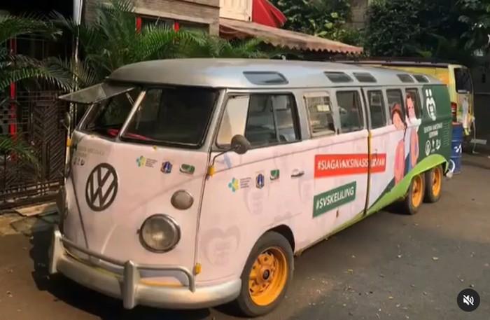 VW Kombi dimodifikasi jadi mobil vaksin keliling