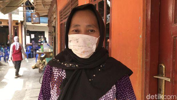 Warga Kampung Pulo, Herfiah (Nur Aziza/detikcom)