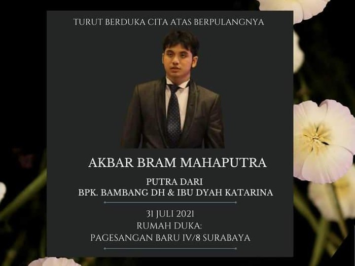 Kabar duka datang dari mantan Wali Kota Surabaya Bambang DH. Anaknya yang bernama Akbar Bram Mahaputra meninggal dunia pada pagi tadi.
