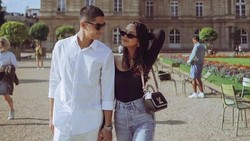 Akhirnya Bertemu! Al Ghazali dan Alyssa Daguise Nikmati Suasana Paris