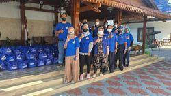 Peduli Warga Terdampak PPKM, Demokrat Jatim Salurkan Sembako
