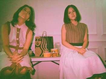 Zara Adhisty dan Hasyakyla Utami Kompak Saat Ngopi Bareng