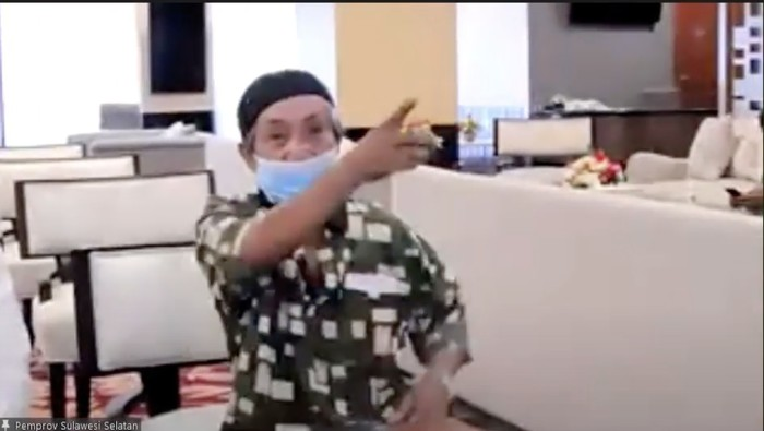 Kakek Safarudin viral gowes 15 km demi mencari vaksin